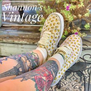 Vans X Peanuts Woodstock w/ fat laces Sz 11.5